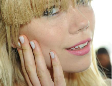 0917-spring-2013-new-york-fashion-week-nail-trend-karen-walker_li
