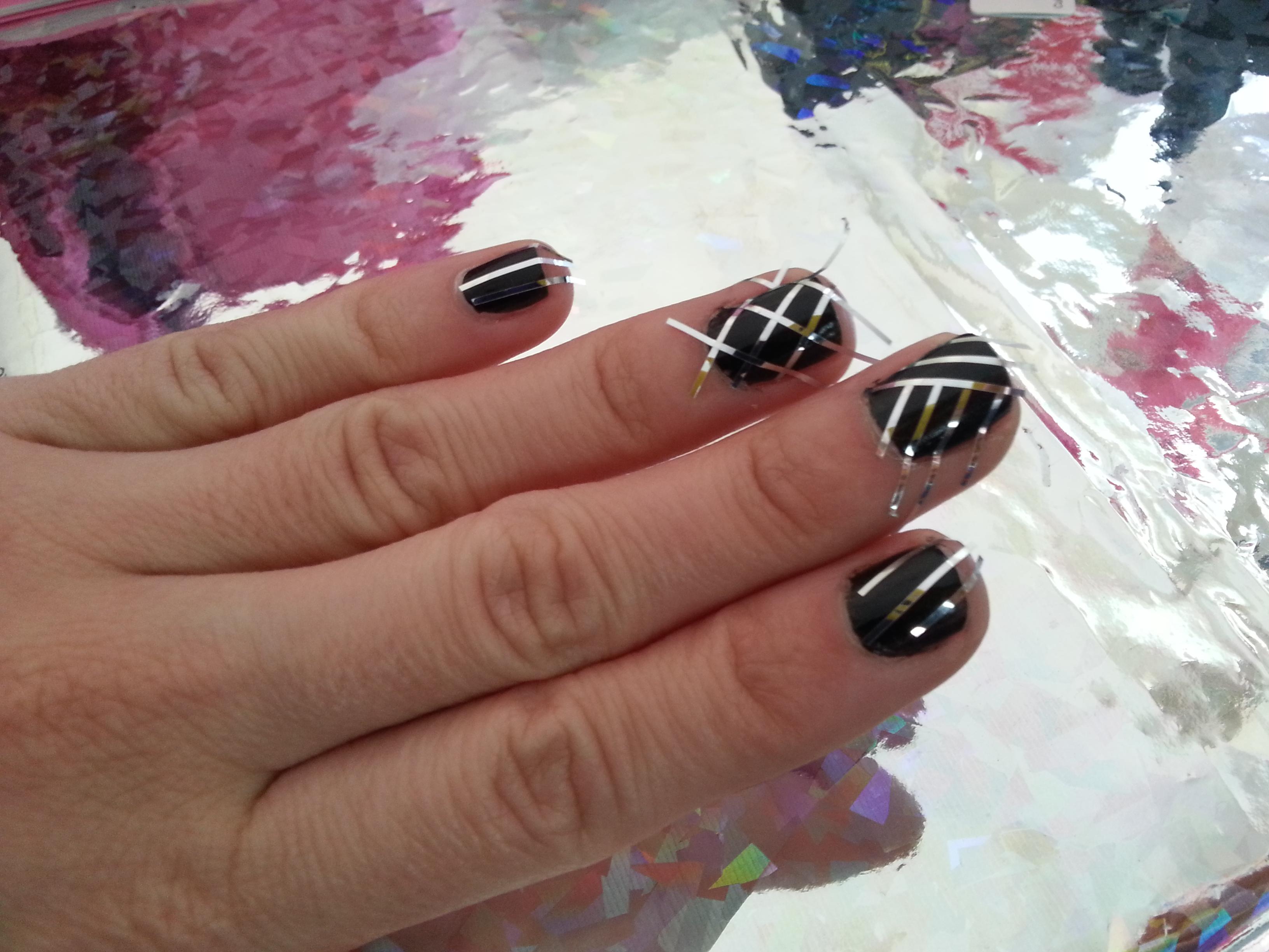 Tutorial nail art usando cintilla adrix nails u as for Todo sobre decoracion