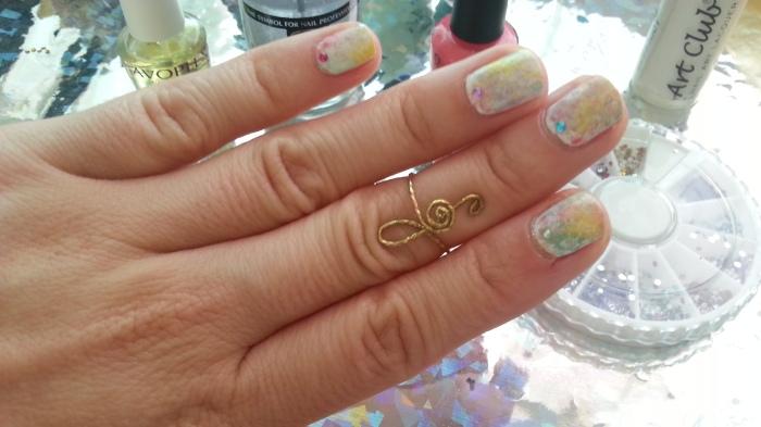 primavera, uñas, spring nails, tutorial de uñas de primavera, colores pastel, opi euro centrale, acuarela, saran wrap nails, nail art, diseños fáciles, uñas fáciles, paso a paso, opi, bolsa de plástico