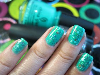 nailpolishlove.me blog mexicano dedicado al nail art, nails, nail polish, uñas, esmaltes, jellies, china glaze, keepin it teal, sunsational, glitter sandwich, paso a paso, uñas fáciles, colores 2013, verano, tendencia, verde, OPI