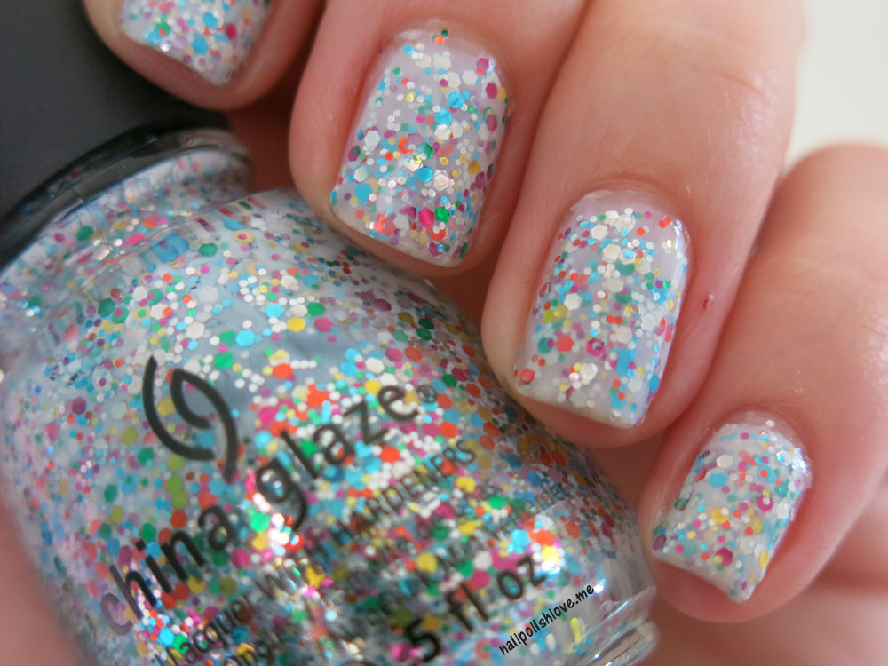 It's a trap-eze, china glaze, cirque du soleil, nails, nail polish, nail art, esmaltes, swatch, glitter, colores, muestra, nailpolishlove.me blog mexicano dedicado al nail art, esmaltes, blogs mexicanos de nail art, uñas, manicure, manicura, black french