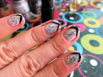 It's a trap-eze, china glaze, cirque du soleil, nails, nail polish, nail art, esmaltes, swatch, glitter, colores, muestra, nailpolishlove.me blog mexicano dedicado al nail art, esmaltes, blogs mexicanos de nail art, uñas, manicure, manicura, black french