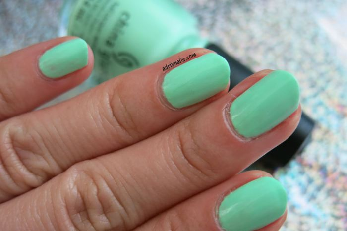 China Glaze, mint, menta, Highlight of My Summer, verde menta, neón, esmalte menta, Adrix Nails, uñas, esmaltes, nails, nail art, nail polish, trend, piel, maquillaje, nailpolishlove.me blog mexicano dedicado al nail art, esmaltes, swatches, swatch, pinturas de uñas