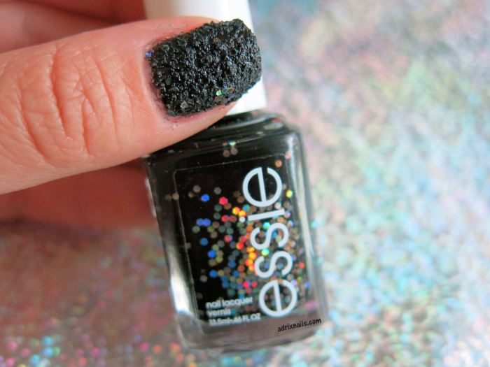 essie, belugaria, swatches, swatch, nails, nail polish, uñas, esmaltes, essie en mexico, pintauñas, enamel, laca de uñas, barniz de uñas, blog mexicano de nail art, bloggers mexicanas, blogs de méxico, nailpolishlove.me, adrix nails, adrixnails, blog mexicano dedicado al naiart, negro, textura, glitter