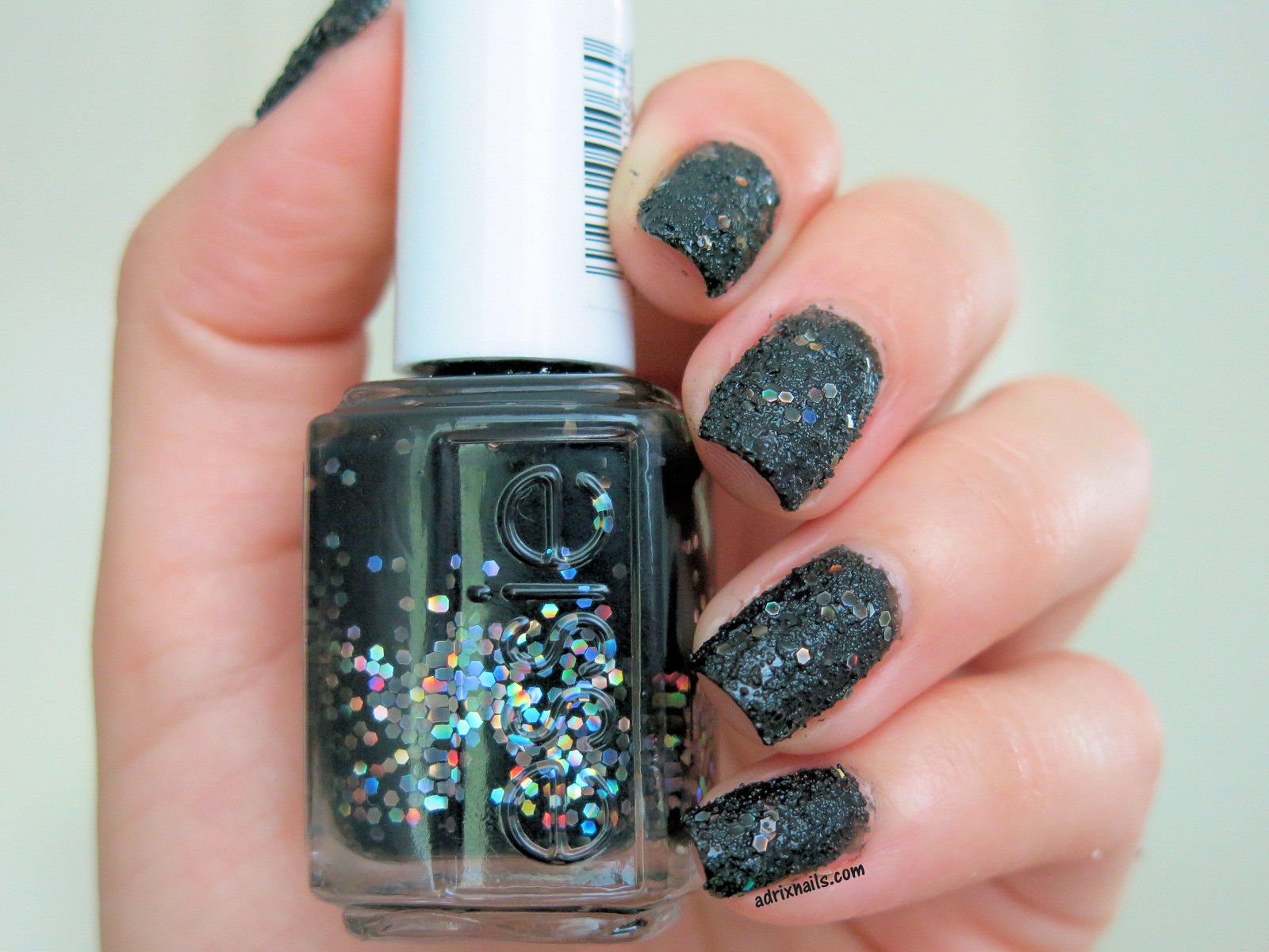 Colores: Essie -Belugaria- | Adrix Nails: Uñas, barnices, nail art!♥