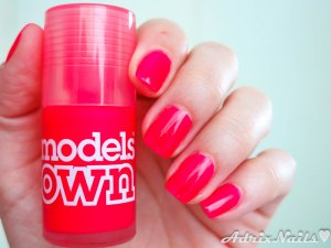 models own, pink punch, esmalte jelly, jelly rojo, rojo neon, diy nails, uñas paso a paso, esmalte rosa, at first blush, esmaltes, uñas, swatches, nails, nail art, nail polish, colores, review, adrix nails, blog mexicano dedicado al nail art, blogueras mexicanas, mexican bloggers, blogs de méxico, nailpolishlove,
