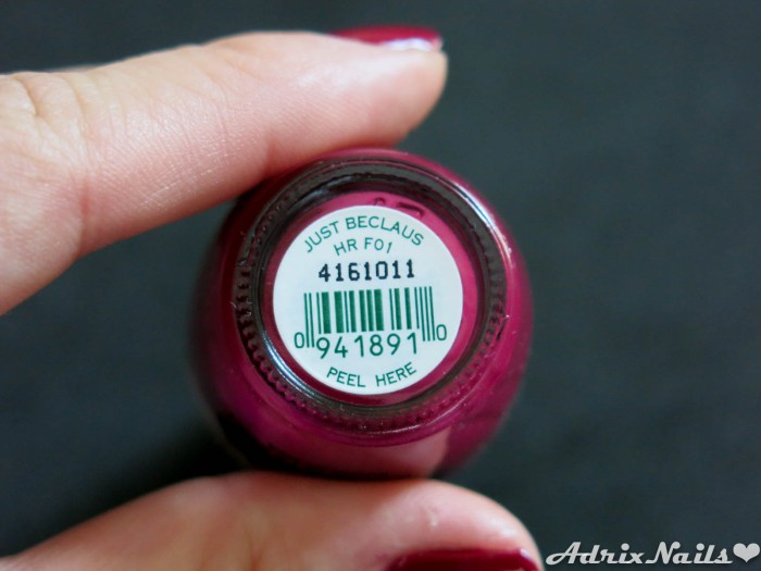 OPI - Just Beclause & Snow Globetrotter-7