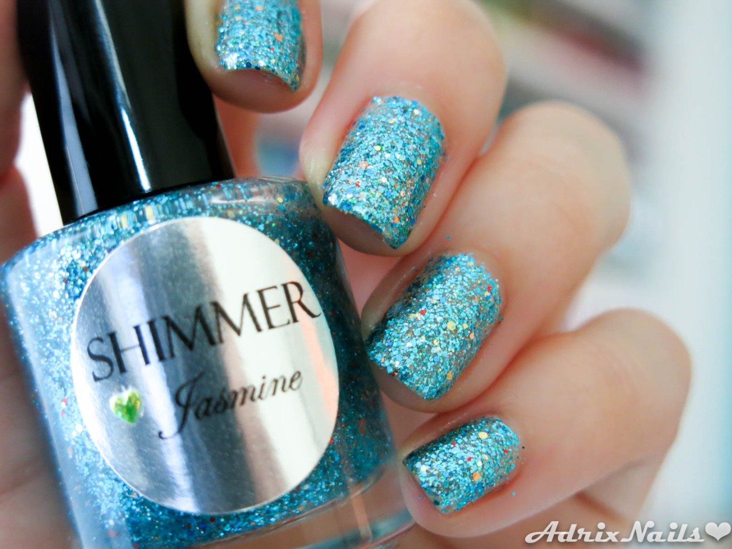 shimmer polish, review, jasmine, glitter, reseña de esmaltes, reseñas de esmaltes, pintauñas, shimmer, uñas naturales, uñas cortas, rojo, striper, i love nail art, reseñas de esmaltes, red eye, uñas fáciles, estoperoles, studs, swatches, glitter, diy nails, uñas paso a paso, esmaltes, uñas, swatches, nails, nail art, nail polish, colores, review, adrix nails, blog mexicano dedicado al nail art, blogueras mexicanas, mexican bloggers, blogs de méxico, nailpolishlove