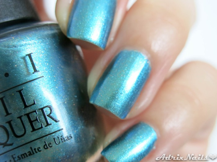OPI - This Color Is Making Waves-8